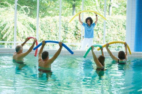 Wassergymnastik im Rahmen der Rehabilitation nach Bandscheibenvorfall
