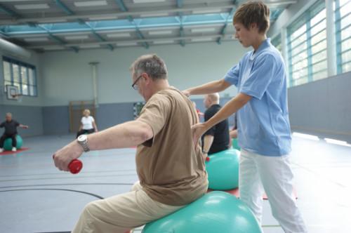 Physiotherapie im Rahmen der Rehabilitation nach Bandscheibenvorfall